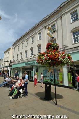 cheltenham marks spencer retailers brands branding uk business commerce gloucestershire england english angleterre inghilterra inglaterra united kingdom british