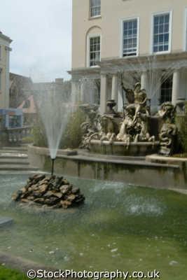 neptune fountain cheltenham midlands england english uk gloucestershire angleterre inghilterra inglaterra united kingdom british