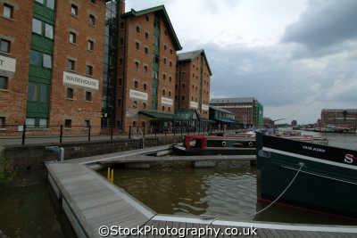 warehouses main basin gloucester docks uk coastline coastal environmental gloucestershire england english angleterre inghilterra inglaterra united kingdom british