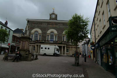 carmarthen town square uk commercial buildings retailers british architecture architectural carmarthenshire wales welsh país gales united kingdom