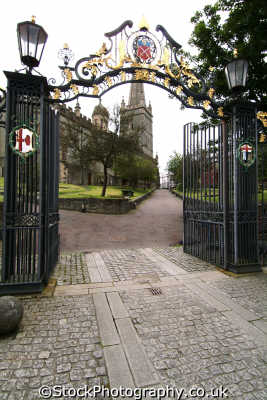 st columb cathedral gates londonderry irish towns european travel county doire northern ireland ulster irland irlanda united kingdom british
