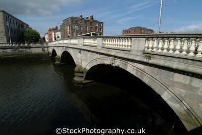 donovan rossa bridge dublin uk rivers waterways countryside rural environmental áth cliath republic ireland eire irish irland irlanda europe european
