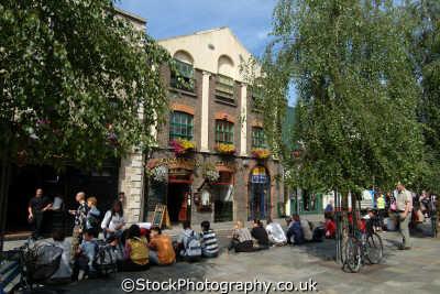 temple bar dublin irish towns european travel áth cliath republic ireland eire irland irlanda europe
