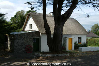 crofters cottage killarney uk cottages british housing houses homes dwellings abode architecture architectural buildings kerry ciarraí republic ireland eire irish irland irlanda europe european