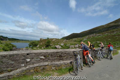 cycliing gap dunloe bicycles cycling cyclists bikes transport transportation uk kerry ciarraí republic ireland eire irish irland irlanda europe european