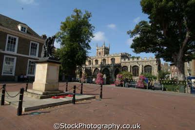 main square huntingdon midlands england english uk bedford bedfordshire beds angleterre inghilterra inglaterra united kingdom british