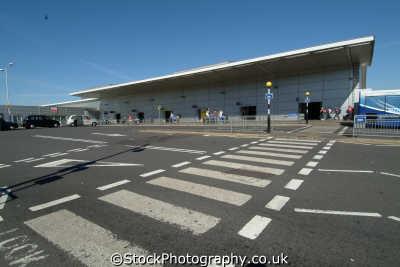 luton airport uk airports aviation airfield aircraft transport transportation bedfordshire beds england english angleterre inghilterra inglaterra united kingdom british
