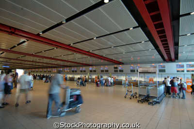 luton airport check desks uk airports aviation airfield aircraft transport transportation bedfordshire beds england english angleterre inghilterra inglaterra united kingdom british
