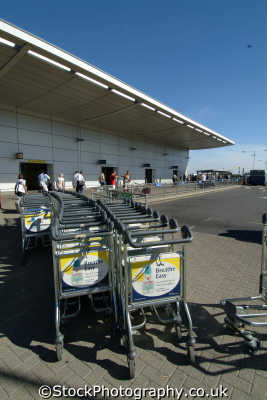 trolleys luton airport uk airports aviation airfield aircraft transport transportation bedfordshire beds england english angleterre inghilterra inglaterra united kingdom british