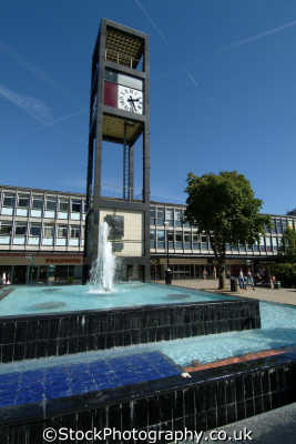 stevenage clock fountain south east towns southeast england english uk hertfordshire herts angleterre inghilterra inglaterra united kingdom british