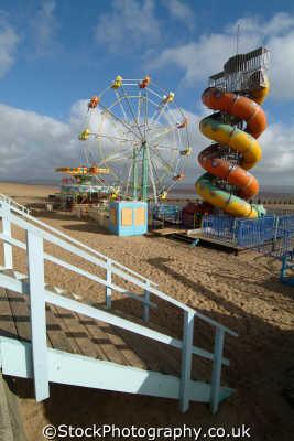 deserted beach fair cleethorpes british seaside coastal resorts leisure uk lincolnshire lincs england english angleterre inghilterra inglaterra united kingdom