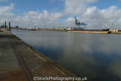 supertanker grimsby docks uk coastline coastal environmental lincolnshire lincs england english angleterre inghilterra inglaterra united kingdom british