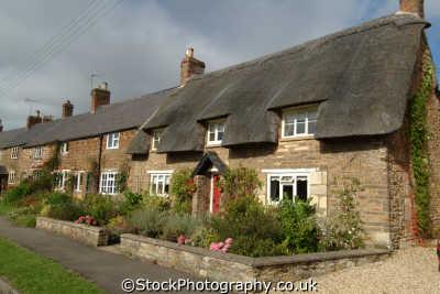 thatched houses british housing homes dwellings abode architecture architectural buildings uk rutland england english angleterre inghilterra inglaterra united kingdom
