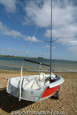 laser stratos yachts yachting sailing sailboats boats marine misc. rutland england english angleterre inghilterra inglaterra united kingdom british