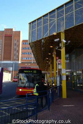 uxbridge bus station buses transport transportation uk hillingdon london cockney england english angleterre inghilterra inglaterra united kingdom british