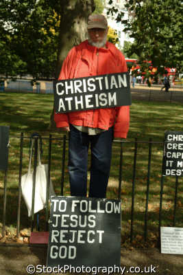 speakers corner christian atheism religion worship faith religious belief working people persons speak preach politics political verbose free speech god westminster london cockney england english angleterre inghilterra inglaterra united kingdom british