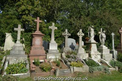 highgate cemetery graves london parks capital england english uk death deceased rip haringey cockney angleterre inghilterra inglaterra united kingdom british