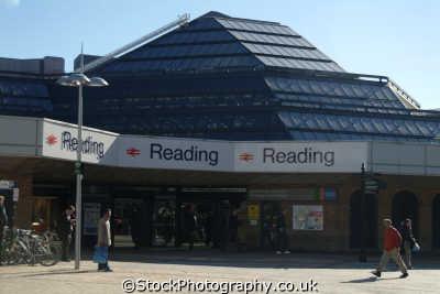 reading station uk railway stations railways railroads transport transportation berkshire england english angleterre inghilterra inglaterra united kingdom british