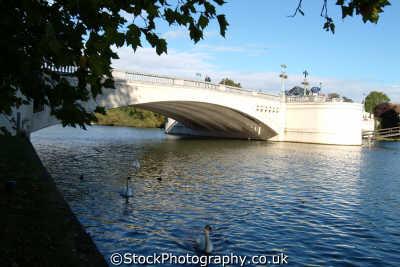 reading thames caversham bridge bridges crossing london capital england english uk berkshire angleterre inghilterra inglaterra united kingdom british
