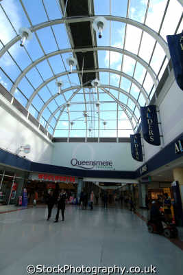 slough queensmere shopping centre uk centres retailers trade centers commercial buildings british architecture architectural buckinghamshire bucks england english angleterre inghilterra inglaterra united kingdom