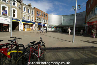 slough town square south east towns southeast england english uk buckinghamshire bucks angleterre inghilterra inglaterra united kingdom british