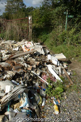 rubbish tipped country path environmental pollution uk dumping pollute berkshire england english angleterre inghilterra inglaterra united kingdom british