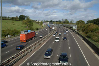 m25 motorway uk highways roads motoring driving motor cars automobiles transport transportation traffic buckinghamshire bucks england english angleterre inghilterra inglaterra united kingdom british