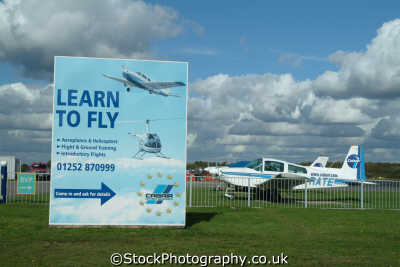 learn fly sign plane uk airports aviation airfield aircraft transport transportation flying lessons hampshire hamps england english angleterre inghilterra inglaterra united kingdom british