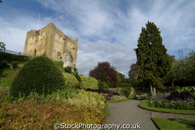 guildford castle gardens british castles architecture architectural buildings uk surrey england english angleterre inghilterra inglaterra united kingdom