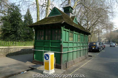 taxi driver hut stop refreshment unusual british buildings strange wierd uk cabbies black cabs kensington chelsea london cockney england english angleterre inghilterra inglaterra united kingdom