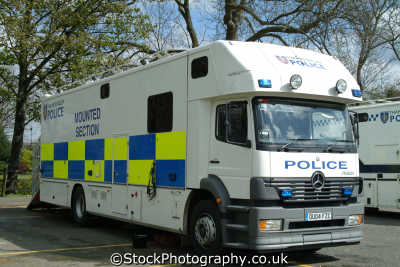 thames valley police mounted section horsebox cops uk emergency services windsor berkshire england english angleterre inghilterra inglaterra united kingdom british