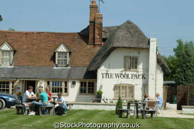 woolpack public house chilterns countryside houses tavern bar alchohol british architecture architectural buildings uk buckinghamshire bucks england english angleterre inghilterra inglaterra united kingdom