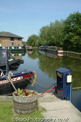 aylesbury narrowboats canal basin boats marine misc. buckinghamshire bucks england english angleterre inghilterra inglaterra united kingdom british