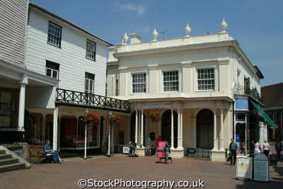 royal tunbridge wells bath house chalybeate spring south east towns southeast england english uk spa water kent angleterre inghilterra inglaterra united kingdom british