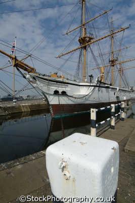 chatham docks hms gannet victorian naval sloop warships royal navy navies uk military militaries medway kent england english angleterre inghilterra inglaterra united kingdom british