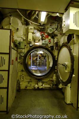 watertight hatch hms ocelot submarine warships royal navy naval navies uk military militaries chatham docks medway kent england english angleterre inghilterra inglaterra united kingdom british