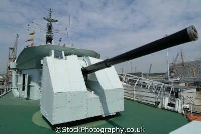 forward gun destroyer hms cavalier chatham dockyard warships royal navy naval navies uk military militaries medway kent england english angleterre inghilterra inglaterra united kingdom british