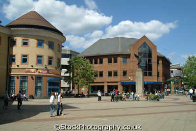 woking town square uk shopping centres retailers trade centers commercial buildings british architecture architectural surrey england english angleterre inghilterra inglaterra united kingdom