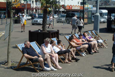 southend people deckchairs seafront uk coastline coastal environmental essex england english angleterre inghilterra inglaterra united kingdom british