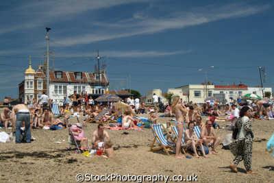 southend crowds beach seafront uk coastline coastal environmental sunbathers holiday essex england english angleterre inghilterra inglaterra united kingdom british