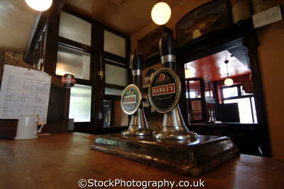 beer pumps victorian pub public houses tavern bar alchohol british architecture architectural buildings uk real ale shropshire england english angleterre inghilterra inglaterra united kingdom