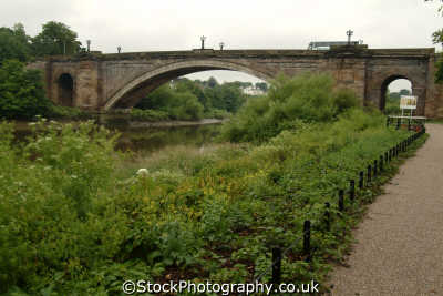 chester grosvenor bridge river dee uk rivers waterways countryside rural environmental cestrian cheshire england english angleterre inghilterra inglaterra united kingdom british