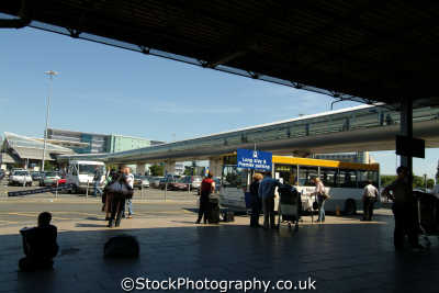 manchester airport taxis uk airports aviation airfield aircraft transport transportation travellers england english angleterre inghilterra inglaterra united kingdom british
