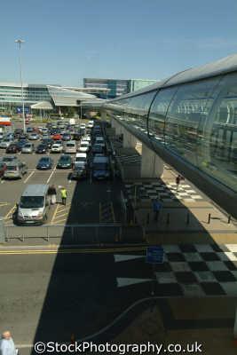 manchester airport walkway terminal uk airports aviation airfield aircraft transport transportation travellers england english angleterre inghilterra inglaterra united kingdom british