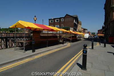 stockport market stalls little underbank bridge north west northwest england english uk manchester angleterre inghilterra inglaterra united kingdom british