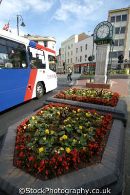 wolverhampton bus clock midlands england english uk staffordshire staffs angleterre inghilterra inglaterra united kingdom british