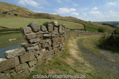 pennine way dry stone wall moorland countryside rural environmental uk hiking rambling ramblers camping yorkshire england english angleterre inghilterra inglaterra united kingdom british