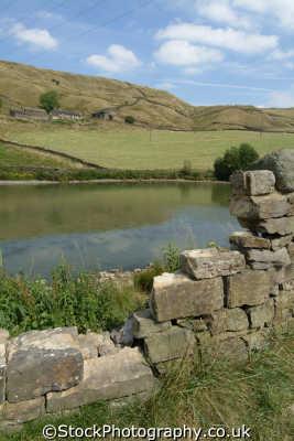 pennine way dry stone wall moorland countryside rural environmental uk hiking rambling ramblers camping yorkshire england english angleterre inghilterra inglaterra united kingdom british