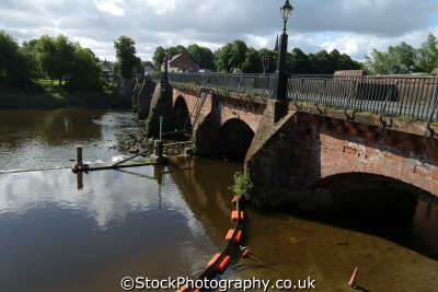 chester old dee bridge uk bridges rivers waterways countryside rural environmental cestrian cheshire england english angleterre inghilterra inglaterra united kingdom british
