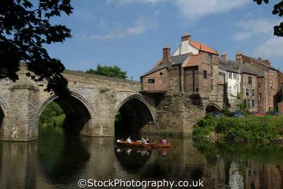 durham elvet bridge river wear boat uk bridges rivers waterways countryside rural environmental england english angleterre inghilterra inglaterra united kingdom british
